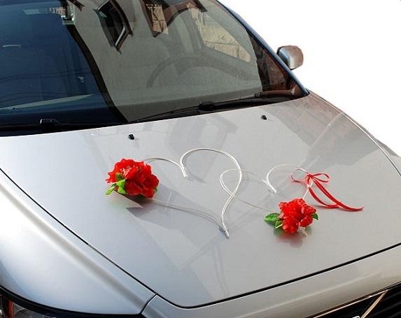 hochzeitsauto brautauto autoschmuck auto schmuck autodeko 2 herzen mit 3 rosen ebay. Black Bedroom Furniture Sets. Home Design Ideas