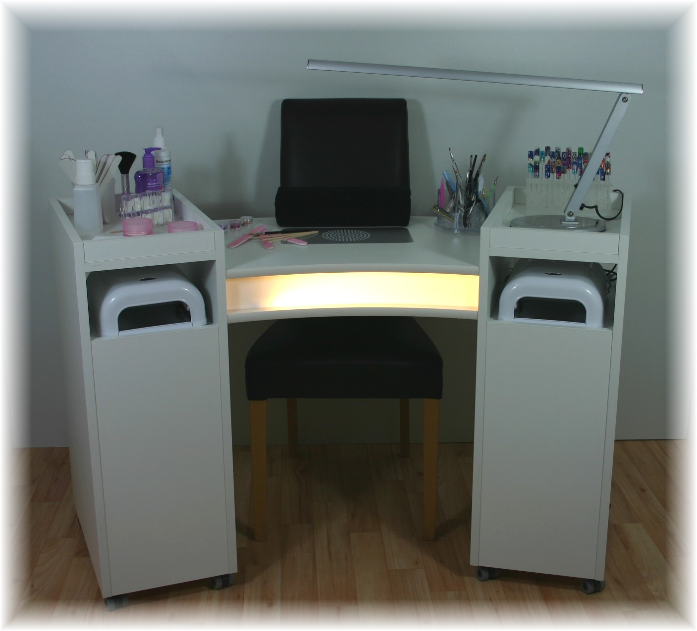 profi nageltisch mit absaugung beleuchtung auf rollen ebay. Black Bedroom Furniture Sets. Home Design Ideas