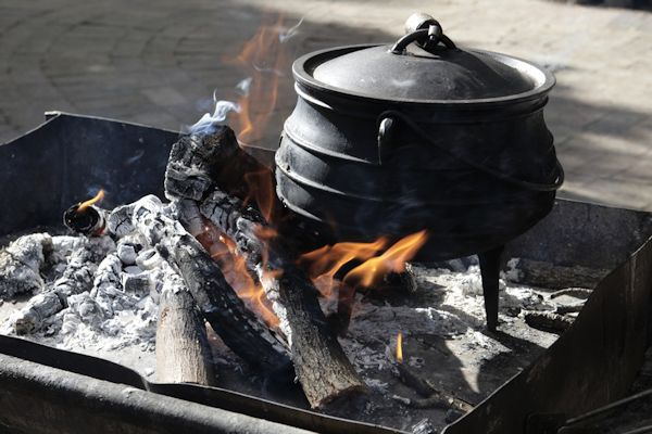 potjie gr 4 12 0 liter dutch oven gusseisen kessel br ter 4 ebay. Black Bedroom Furniture Sets. Home Design Ideas