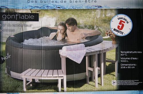 luxus whirlpool spa badewanne in outdoor pool aufblasbar. Black Bedroom Furniture Sets. Home Design Ideas