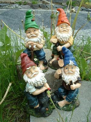 4 sch ne gartenzwerge lustige gnome f r haus und garten ebay. Black Bedroom Furniture Sets. Home Design Ideas