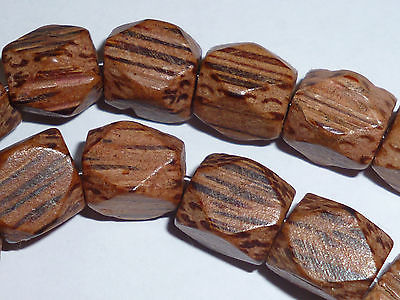 Philippinen Phil Holz Cocos Diamant 9 x 8mm  Holzperle Strang