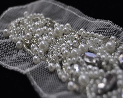 edel strass perlen applikation glas blume handgefertigt. Black Bedroom Furniture Sets. Home Design Ideas