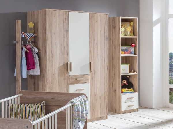 babyzimmer cariba 8 teile kleiderschrank babybett wickelkommode regal wandboard ebay. Black Bedroom Furniture Sets. Home Design Ideas