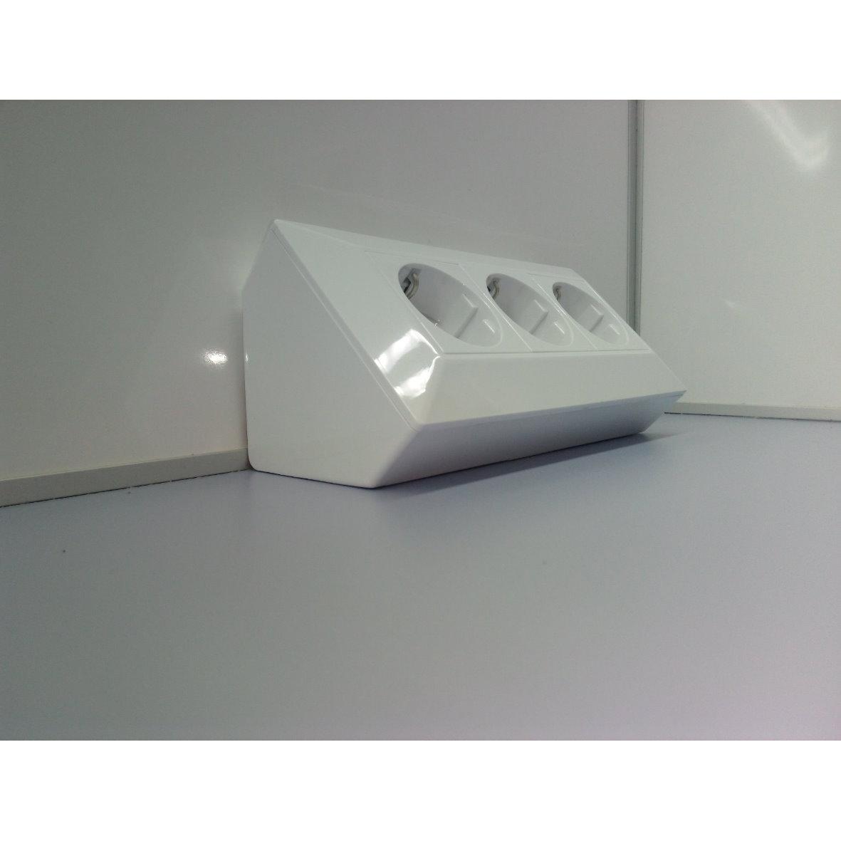 aufbau steckdose 3 fach weiss 21665. Black Bedroom Furniture Sets. Home Design Ideas