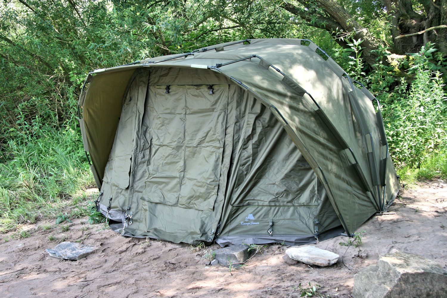 campfeuer karpfenzelt bivvy angelzelt carp dome. Black Bedroom Furniture Sets. Home Design Ideas