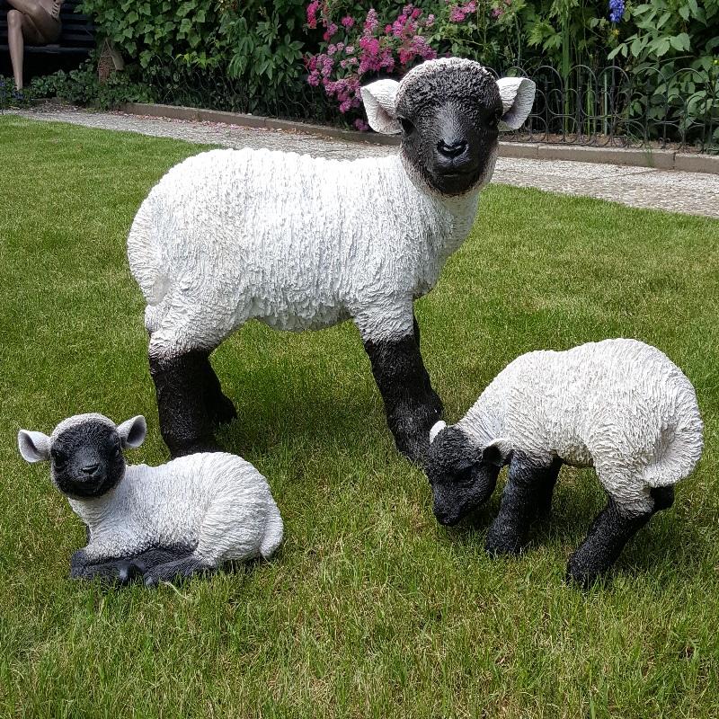 3er Gruppe  Lamm Lämmer Schafe Heidschnucken Garten Deko lebensechte Figuren