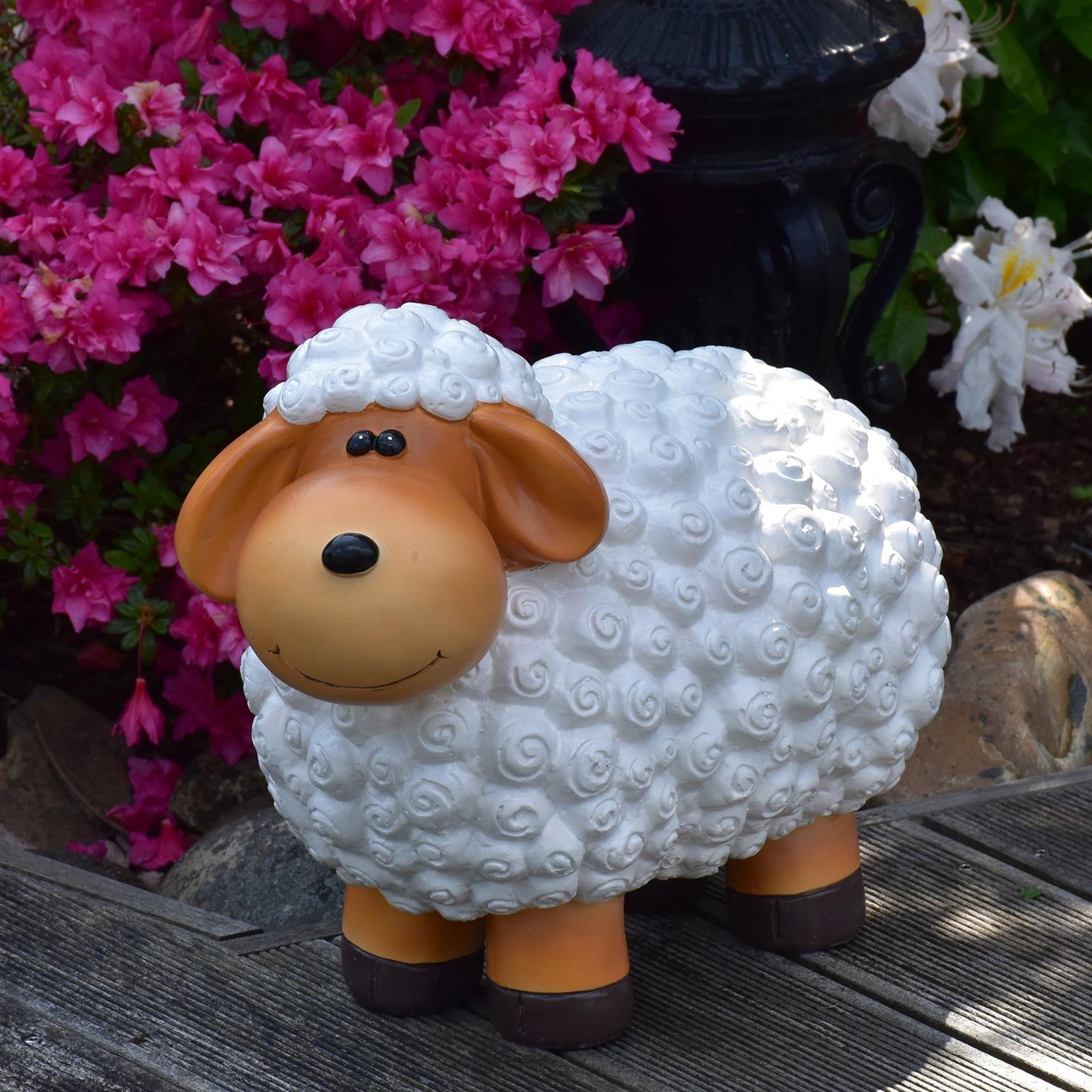 Gartenfigur Schaf in Natur