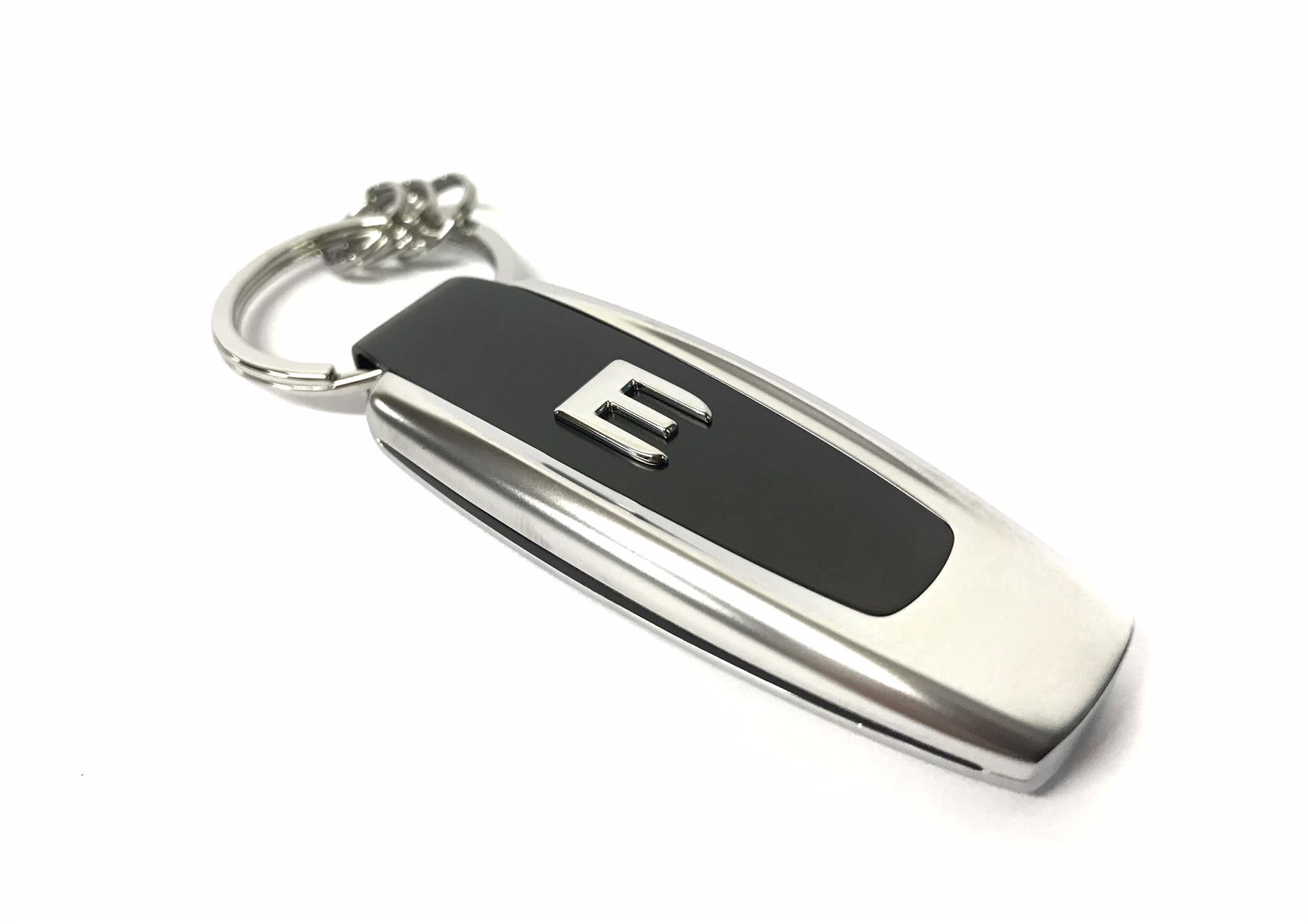 """Schlüsselanhänger Mercedes Benz Typo /""""E-Klasse/"""" schwarz silber /""""NEU/"""""""