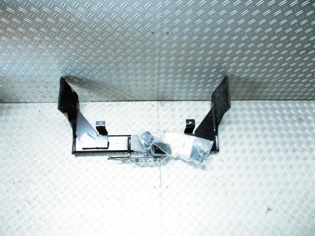 ford transit anh ngerkupplung westfalia a4c1j19d520be 1440884. Black Bedroom Furniture Sets. Home Design Ideas