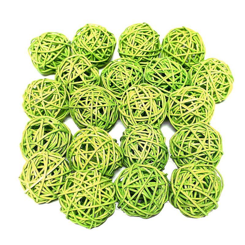 30 Rattankugeln h.-grün (gelblich) 5cm, im Sparbeutel !!!