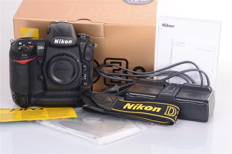 Nikon-D3s-Body-Gehause-17-000-Ausloser-OVP-2042355