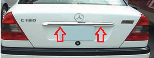MercedesW202Kofferraumleiste1.jpg