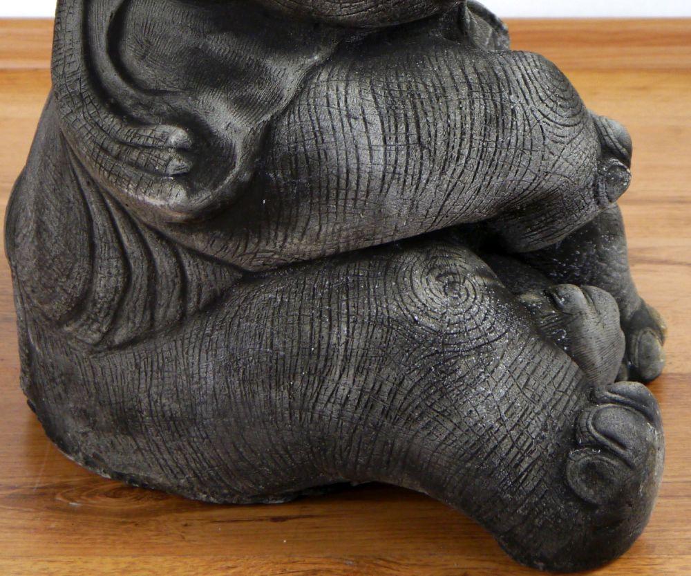 steinelefanten sitzend gl ckselefanten steinskulpturen. Black Bedroom Furniture Sets. Home Design Ideas