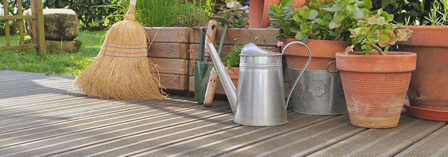 Lieblings Pflege Ihrer Holz-Terrasse: So geht`s &GC_75