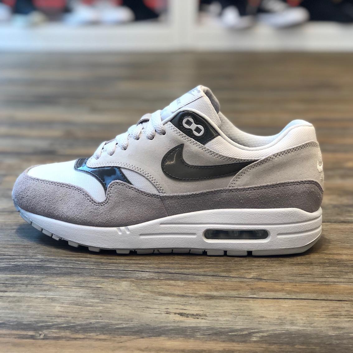 Nike Damen 849560 001 Turnschuhe, 40 EU Sneakers für