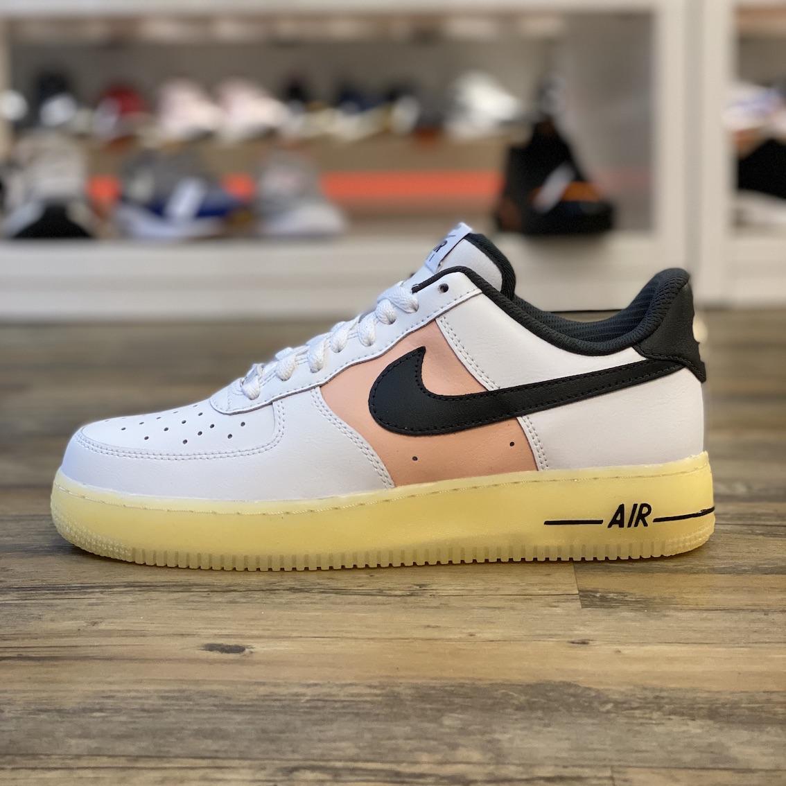 Détails sur Nike Air Force 1 Bas Id Gr.41 Baskets Blanc AQ3778 992 Chaussures Classic Retro