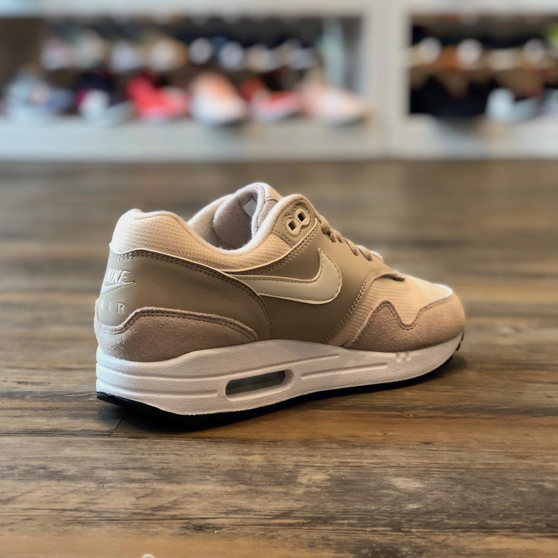 Detalles de Nike Air Max 1 essential talla 36,5 zapatos zapatillas beige nuevo 319986 207 ver título original