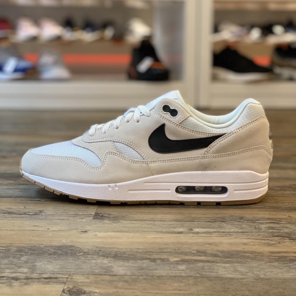 Dettagli su NIKE Air Max 1 Essential ID TG. 45,5 Sneaker Scarpe Beige bq8748 992 Classic retr mostra il titolo originale