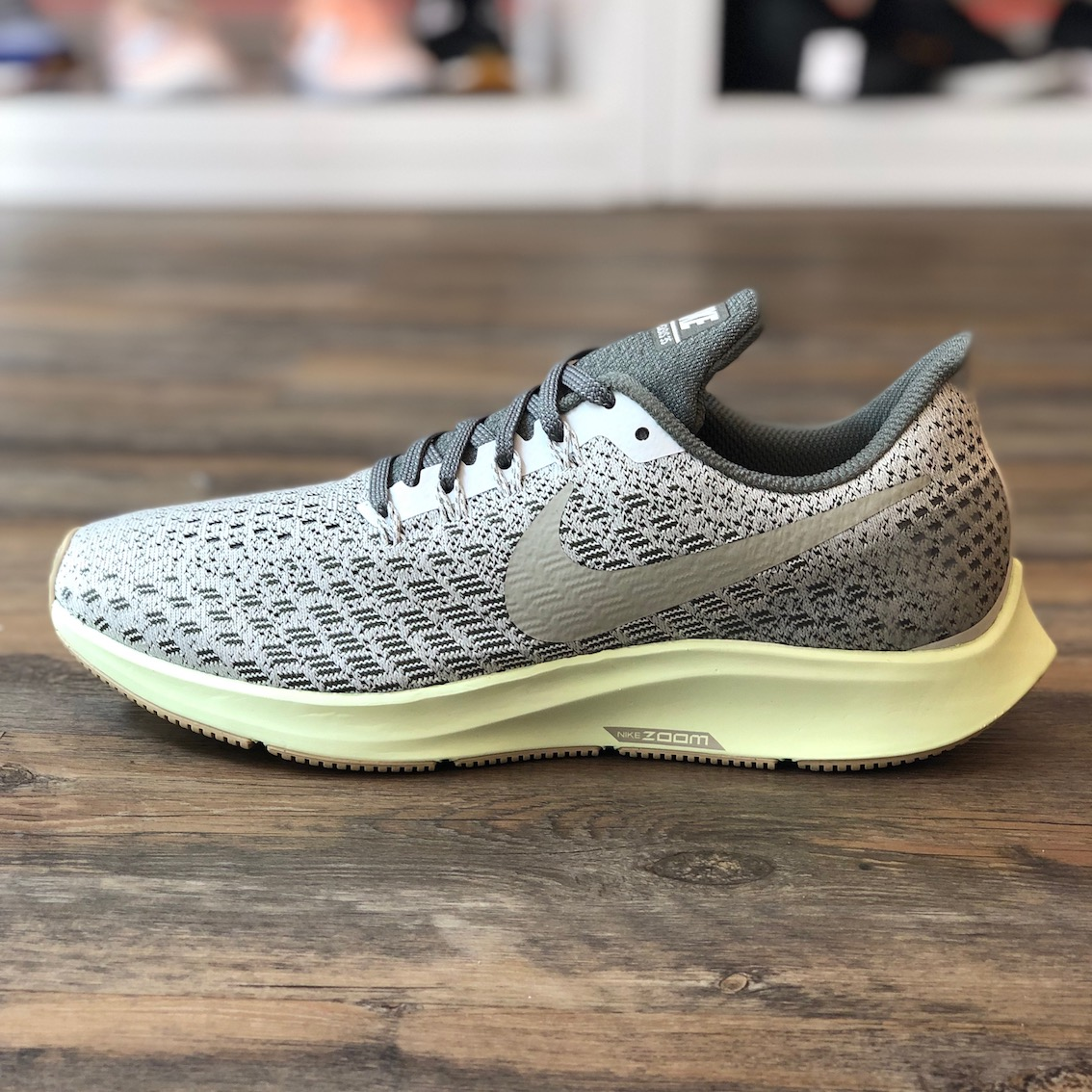 Details zu Nike Air Zoom Pegasus 35 Gr.39 Running Sneaker Schuhe grün Free 942855 010