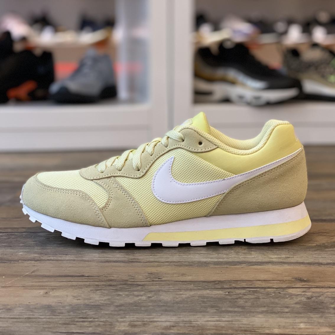 Details zu Nike MD Runner 2 Gr.42,5 Schuhe Sneaker gelb 749869 700 Classic Damen